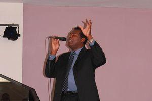 Charles Graham singing